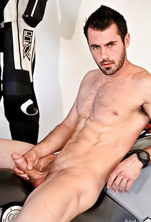 Gay Masturbating Pictures